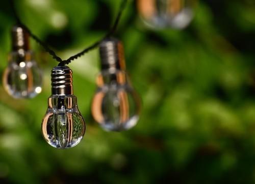 light-bulb-4354534_640