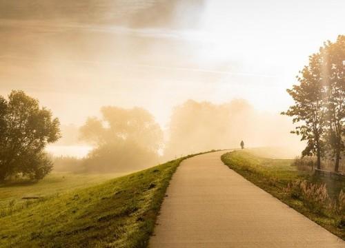 path-5766371_640