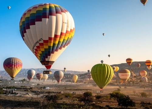 hot-air-balloons-4561267_640